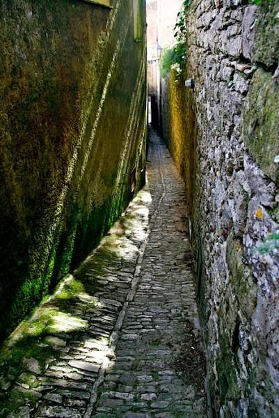 Narrow Erice alley