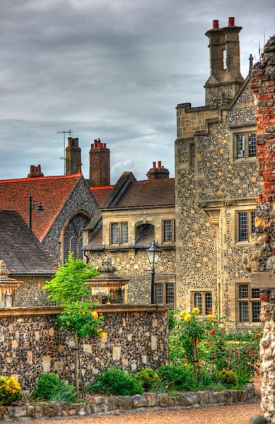 Houses in Canterbury