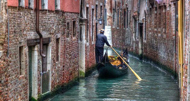 Venice Gondolier HDR